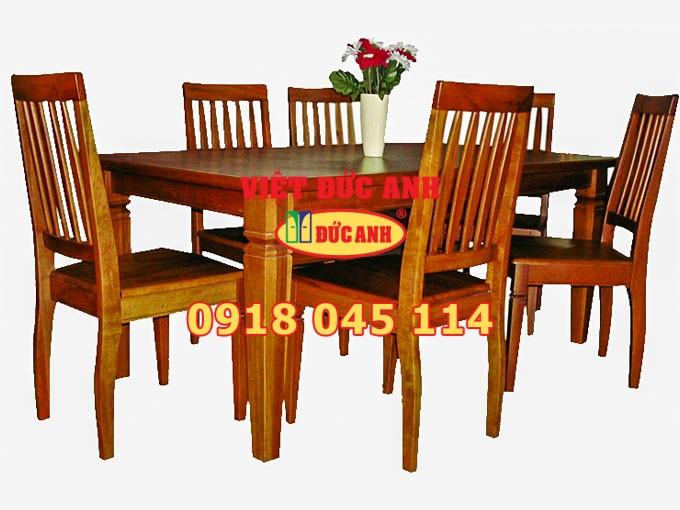 Bàn ghế gỗ 40